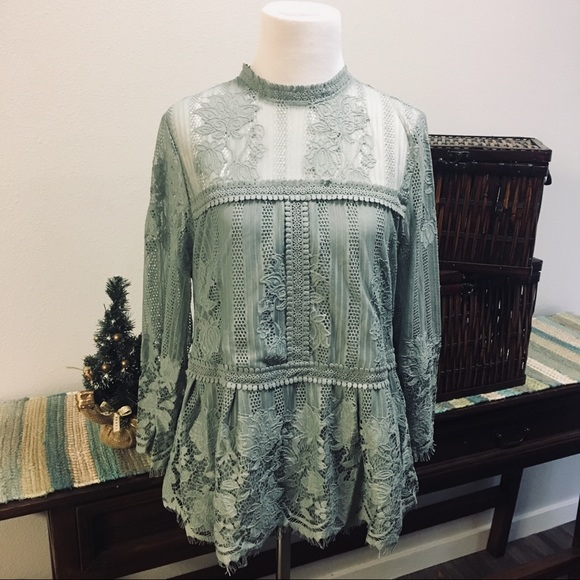 Miss Chievous Tops - Miss Chievous Lace Holiday Prairie Top Size L NWT